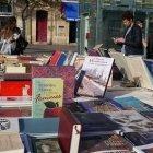 Piața de carte din Place de Victoire