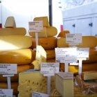 Munți de brânză