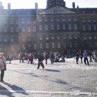 Dam Square după bătaia cu perne