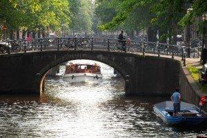 Zilele astea, Amsterdamul e fericit