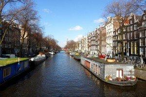 Doi ani de Olanda