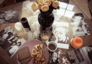 Octombrie 2011 - Mic dejun de sâmbătă dimineața pe masa mea Madonna-customized