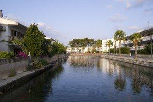 Canalele din Port d'Alcudia