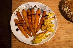Morcovi și cartofi la cuptor