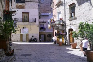 În căutarea soarelui: Puglia, Italia. Încep cu Bari — orașul care nu prea mi-a plăcut