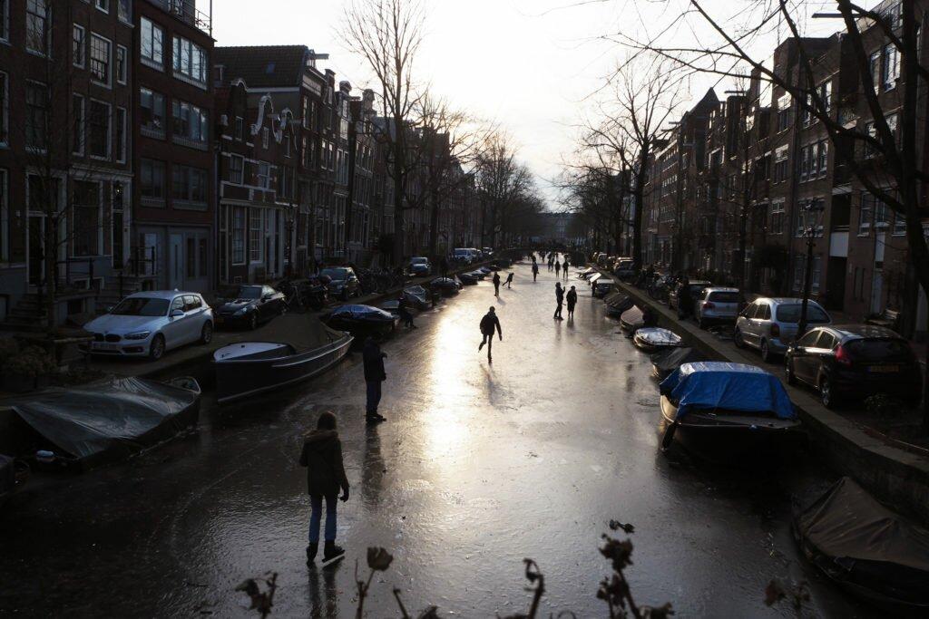 Patinaj pe canalele din Amsterdam 06