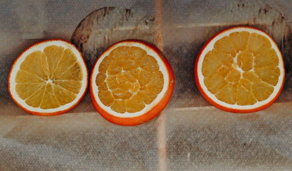 Decoratiuni de craciun din portocale 01
